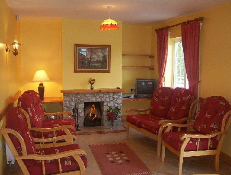 wicklow en cottage. Black Bedroom Furniture Sets. Home Design Ideas